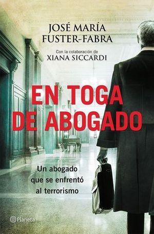 EN TOGA DE ABOGADO